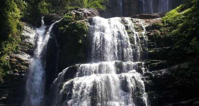 Off the Beaten Path – Nauyaca Waterfalls: Ride, Swim, Jump!