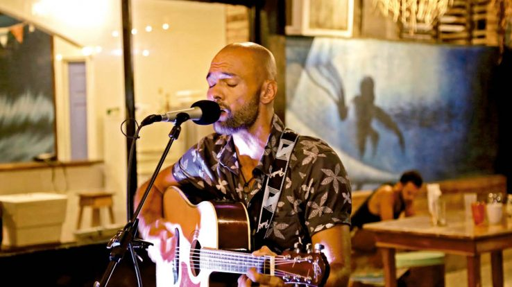 Spotlight – Max Gea, At Home Singing His Heart Out