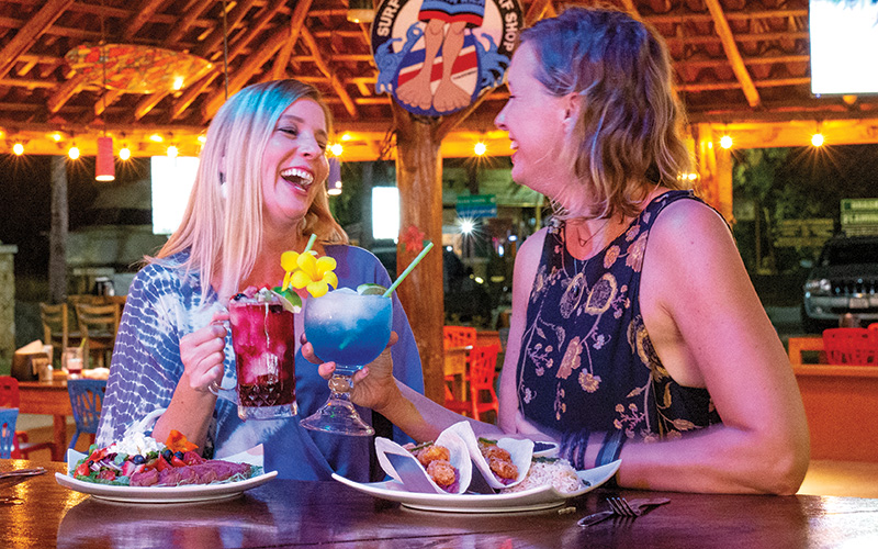 Lucys-retired surfers bar restaurant costa rica